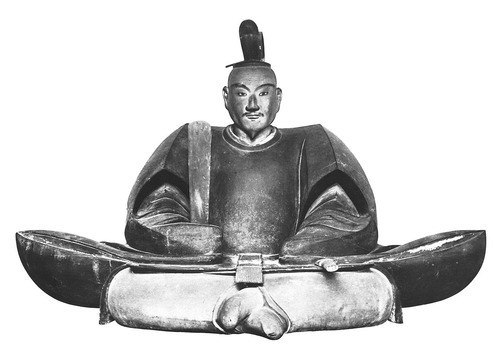 1280px-Ashikaga_Yoshizumi_statue (1)