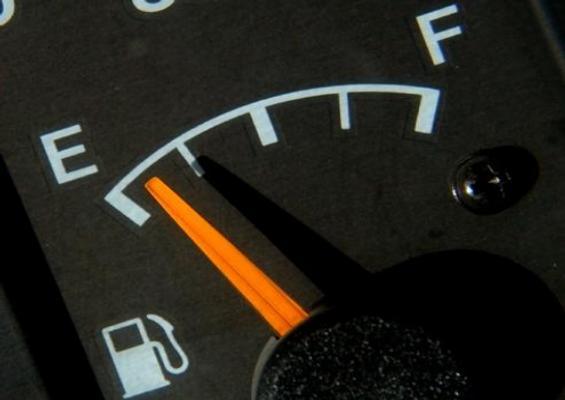 2-stat_odebral_miliardy_nepoctivym_obchodnikum_s_benzinem
