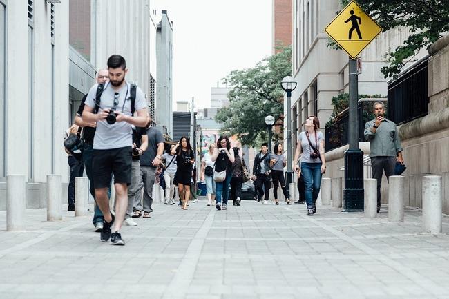 pedestrians-918471_960_720
