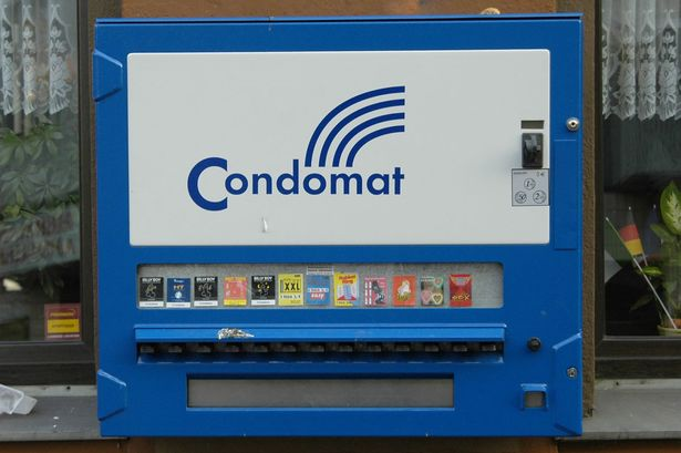 botched-robbery-condom-machine
