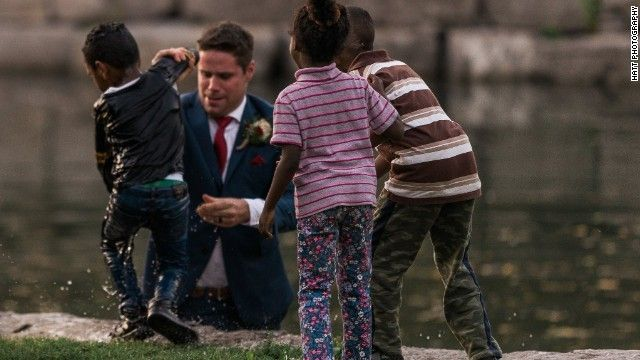 groom-saves-child-on-wedding-day