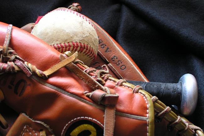 baseball-1354946_960_720