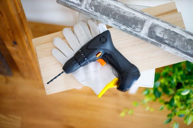 ワイ電気工事士見習い、工具は自己負担と告げられる