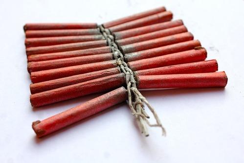 firecracker-1793975_960_720