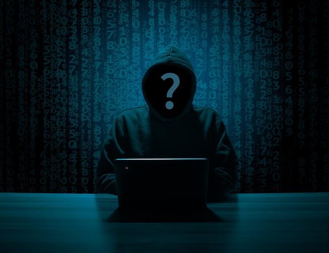 hacker-3342696_960_720