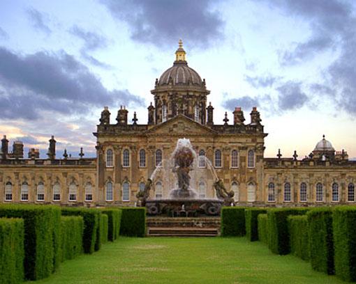 Buckingham-Palace-Symbols-Of-British-Empire