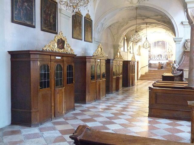 confessional-122763_640