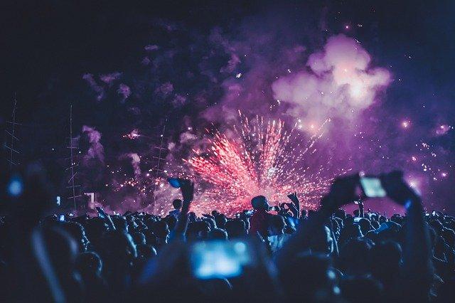 fireworks-4768501_640