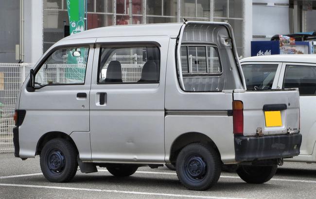 Daihatsu_Hijet_Deck-Van_S110
