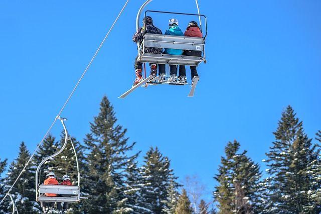 ski-lift-1941395_640