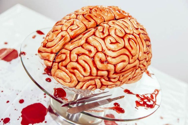 Walking-Dead-Brain-Cake-2