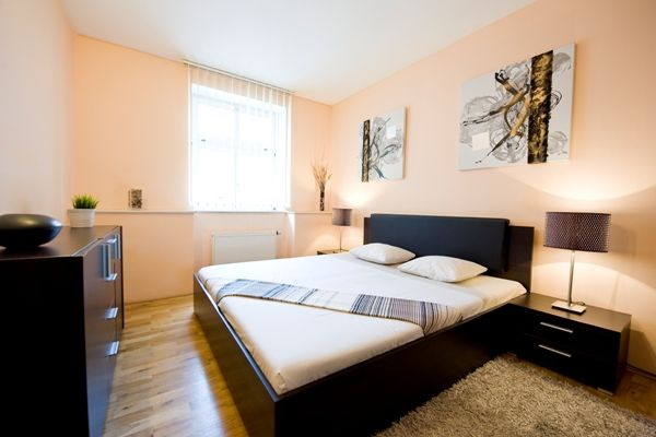 city-centre-de-luxe-prague-apartment-bedroom-1-600x400