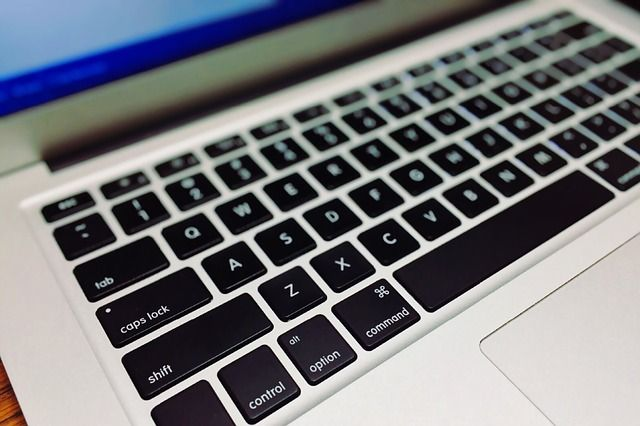 keyboard-1176257_640