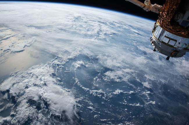 satellite-1030779_960_720