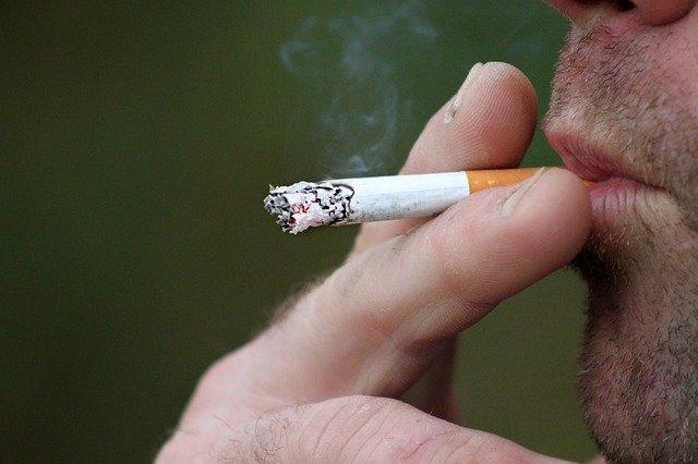 smoking-397599_640