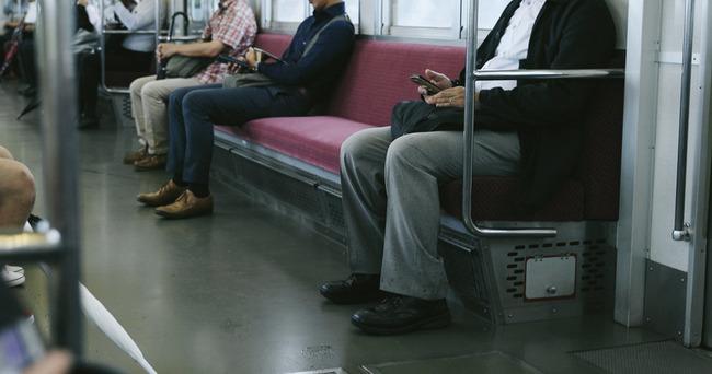 識者「通勤時間は一番無駄な時間、高い金払っても職場の近くに住め」