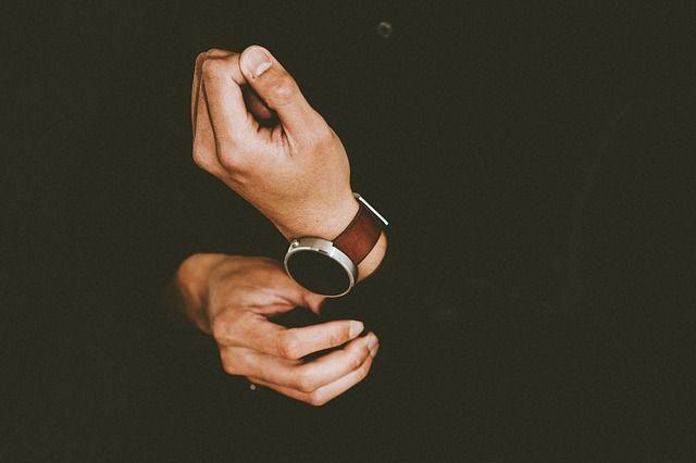 hands-1866619_640