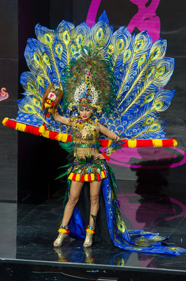 national-costume-miss-indonesia-2013