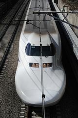 700系 B8