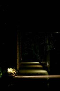 夜のコンビニ