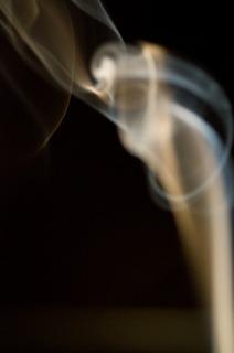 歩きたばこを
