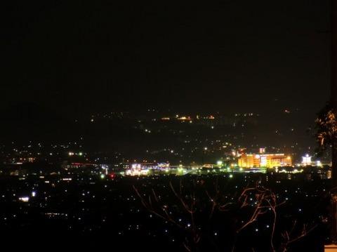 深夜2時の高速パーキングエリアの雰囲気wwwwwwww