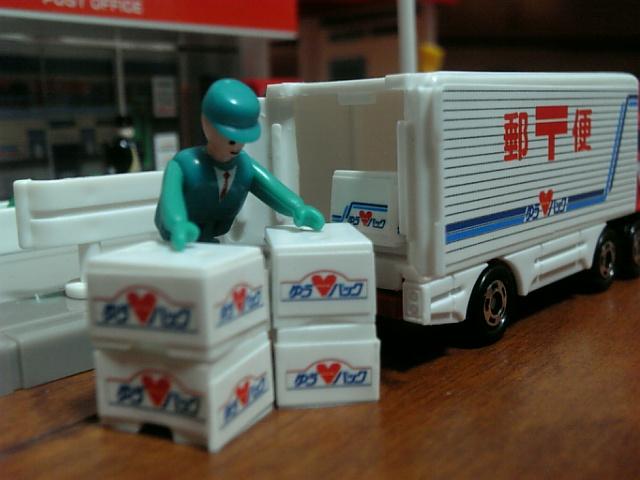 既存トラックドライバーの負担増に