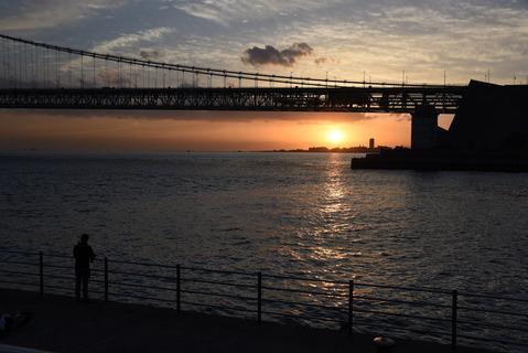 明石海峡大橋の夕陽3