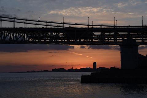明石海峡大橋の夕陽11