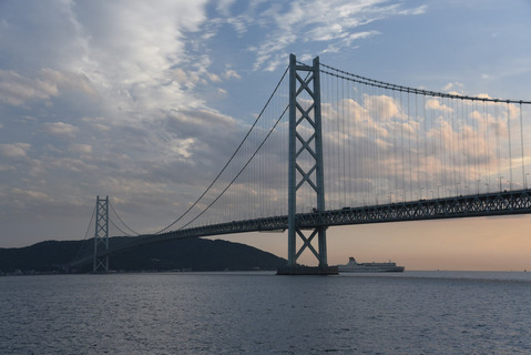明石海峡大橋の夕陽1