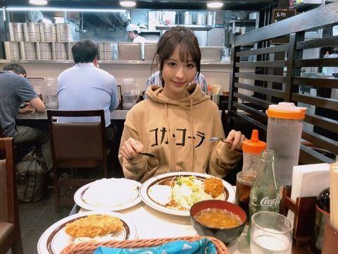 セクシー女優・桃乃木かなさんが池袋の洋食屋「キッチンABC」にキタ━━(゚∀゚)━━!! (画像)