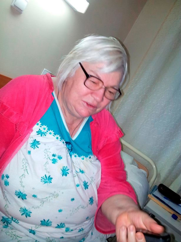 63歳の女性、アル中で暴れる息子(42)をフライパンで撲殺し70個以上のピースに切り刻む  ロシア