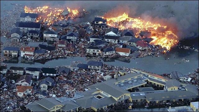 過去に戻って6000人の命を救えるとしたら救いますか?