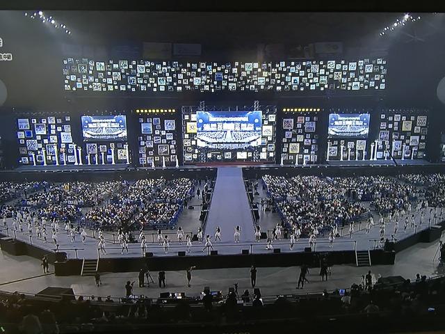 【画像】AKB48選抜総選挙の会場がヤバすぎると話題に