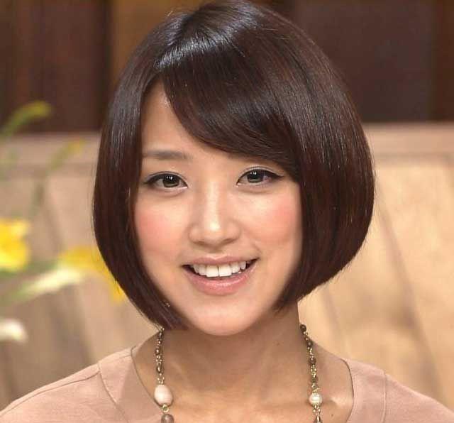 【画像】テレ朝・竹内由恵アナの私服がダサすぎるwww