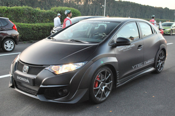 honda-civic-type-r-prototype-01-1