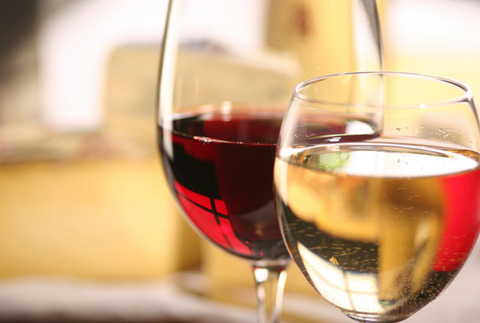 ワイ「ワインってぶどうジュースみたいで美味しんやろうな~」