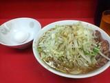 ぶた5枚入り 小ラーメン 麺硬め油少なめ ヤサイニンニクカラメ + 生玉子