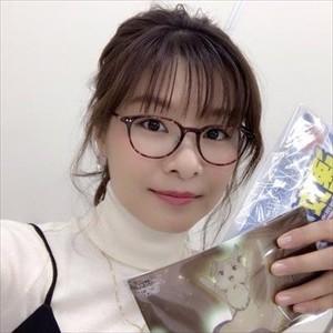 【朗報】赤崎千夏さん、胸元がガッツリ開いた画像を投下www