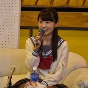 【朗報】逢田梨香子さん、アニメの聖地の学校で学ぶ全校生徒から大歓迎を受ける