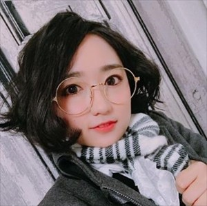 【画像】悠木碧さん、またまた変なメガネを装備