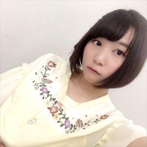 【悲報】人気声優の富田美憂さん、髪を赤く染めてしまう・・・