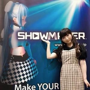 【画像】シニア声優の堀江由衣さん、美人声優2人相手だと流石に厳しい