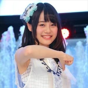 【画像】伊藤美来さん(22)、大御所声優花澤香菜さんの頭の上に手を置いてしまう…oh