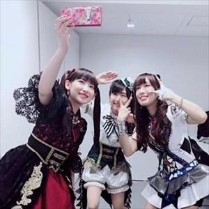 南條愛乃さん(34)、日笠陽子さん(33)、茅野愛衣さん(31)、3人でディズニーに行きはしゃぐ