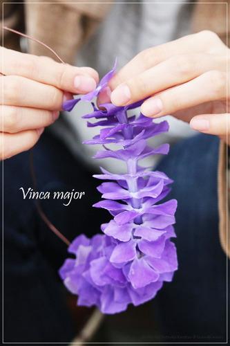 ツルニチニチソウの花リース_making