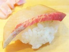 R0055770_築地大和寿司のおまかせにぎり6カンパチ_20130508