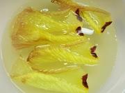 R0020353_花オクラの花びら水洗いで黄色_20090822