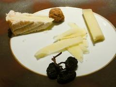 R0053776_ラフィネスチーズコンテとポンレヴェック_20121103