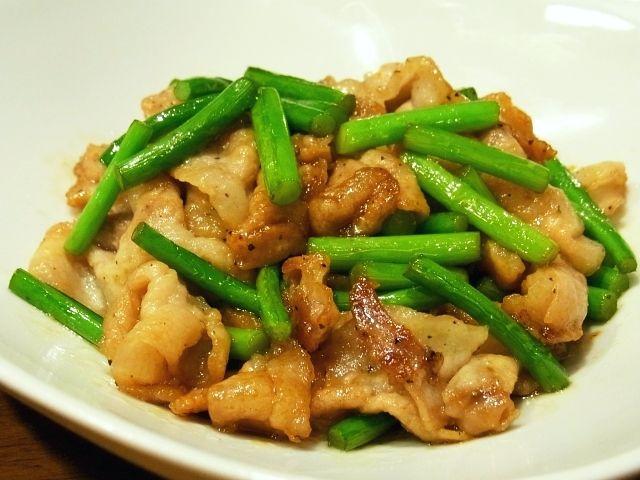 R0042220_ニンニクの芽と豚肉の塩炒め_20110510